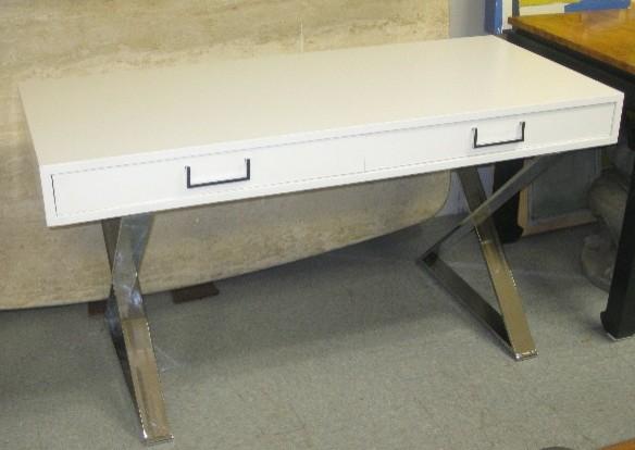 Очаровательный письменный стол из коллекции мебели от Milo Baughman