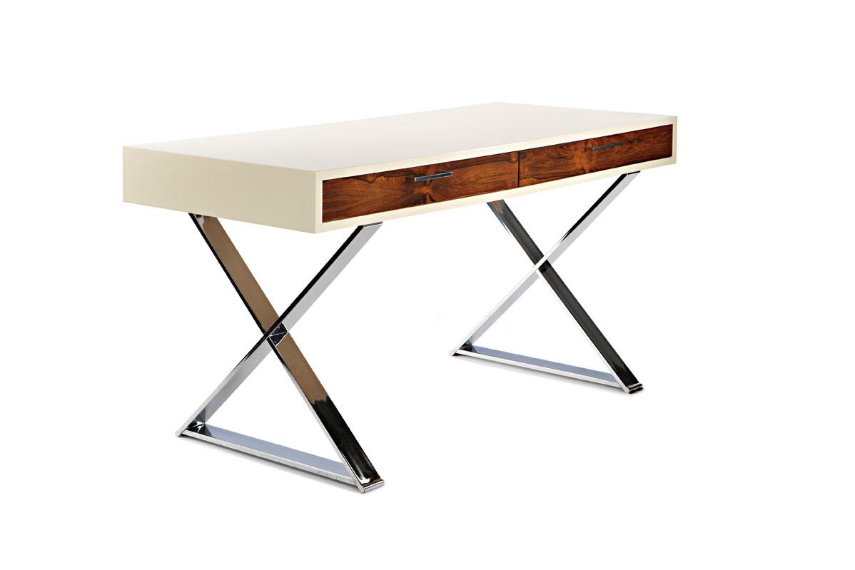 Стол из коллекции мебели от Milo Baughman