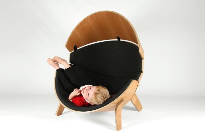 Деревянные ножки кресла Hideaway от Think & Shift