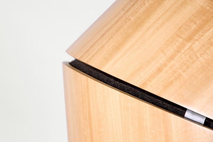 Деревянный каркас кресла Hideaway от Think & Shift