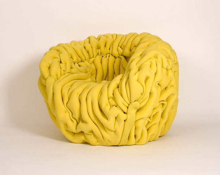 Мягкое кожаное кресло «Ondule» от Матисса Эно