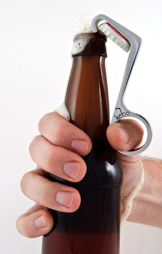 Оригинальная открывалка для бутылок