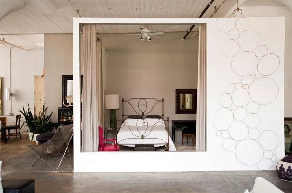 Чудный интерьер спальни в стиле лофт