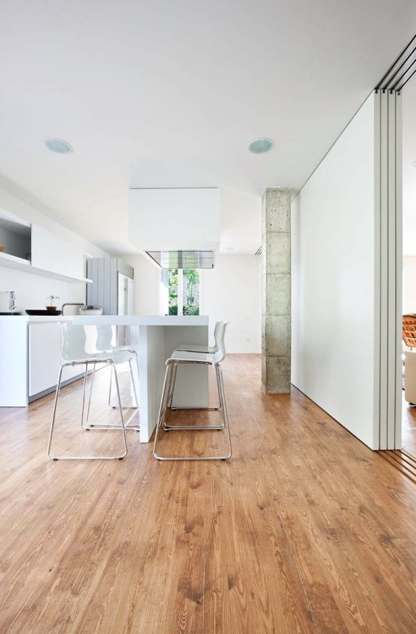 Кухонная мебель белого цвета