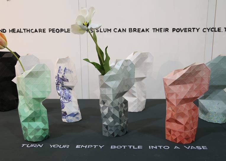 Устойчивый дизайн: вазы из пластиковых бутылок