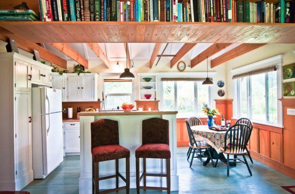 Книжный шкаф под потолком