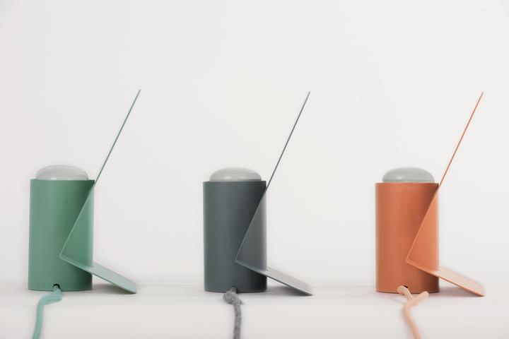 Разноцветные настольные лампы Vela от Mario Alessiani