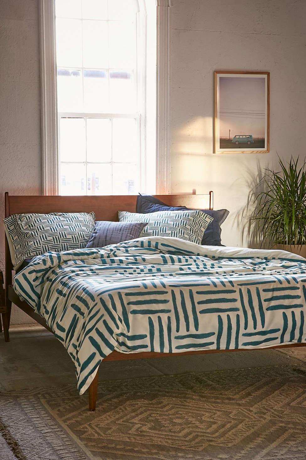 Декор постельного белья от Элизабет Эди
