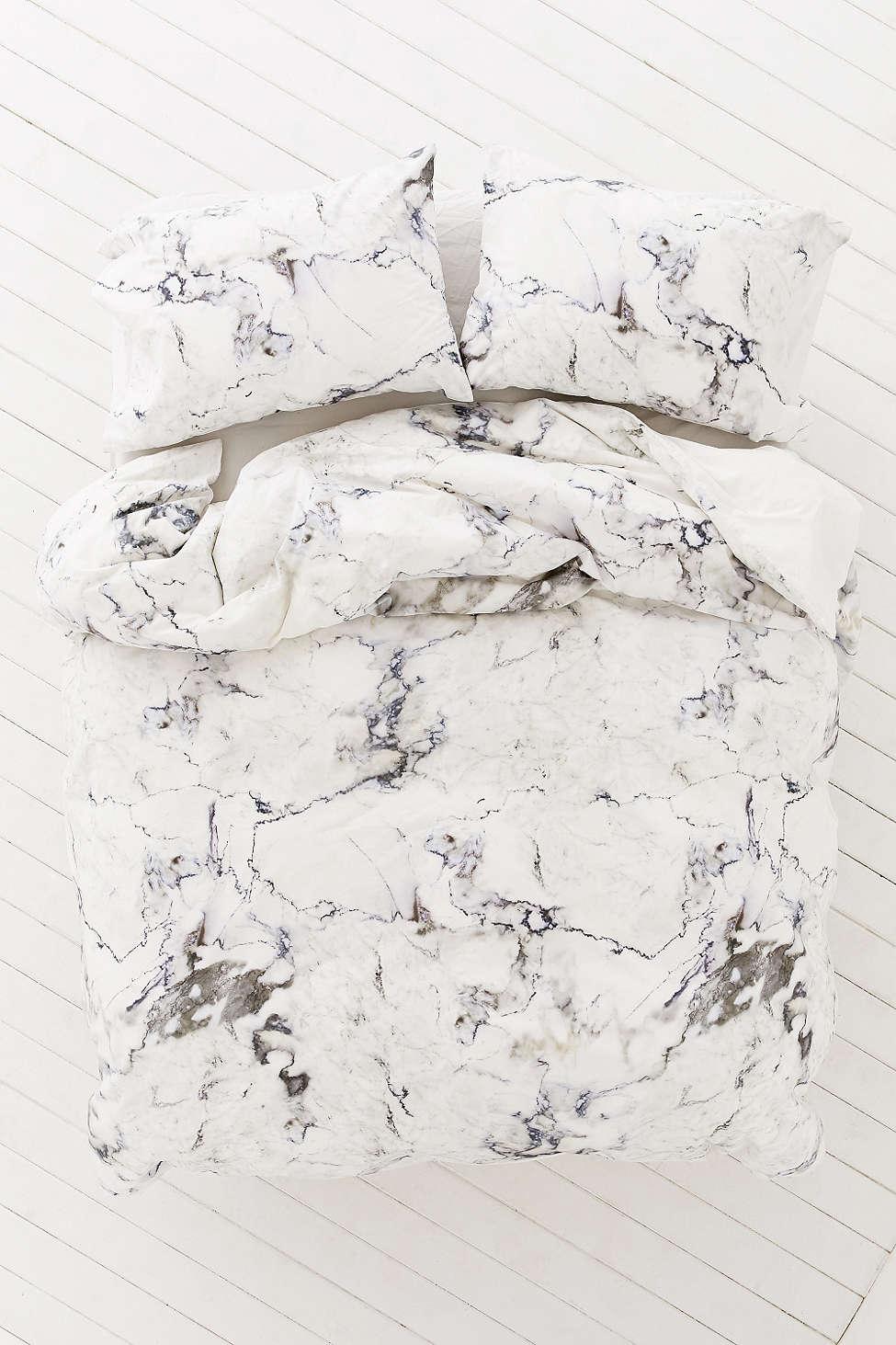 Мраморный декор постельного белья