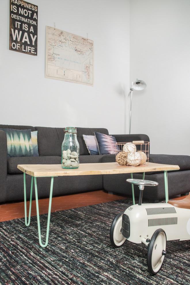 Деревянный стол с металлическим каркасом своими руками в интерьере гостиной