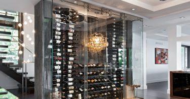 Как превратить винный шкаф в интересную инасталляцию