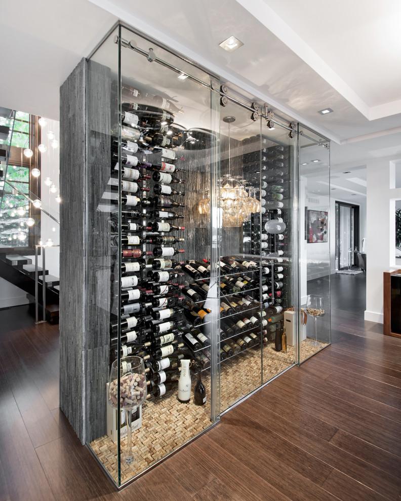 Винный шкаф: стеклянные раздвижные дверцы