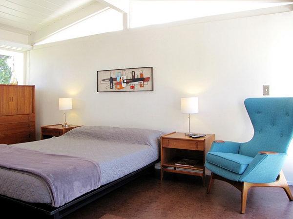 Дизайн спальной комнаты в стиле модерн середины столетия