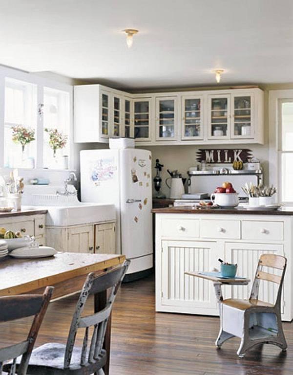 Белый старинный дизайн кухни сельского дома