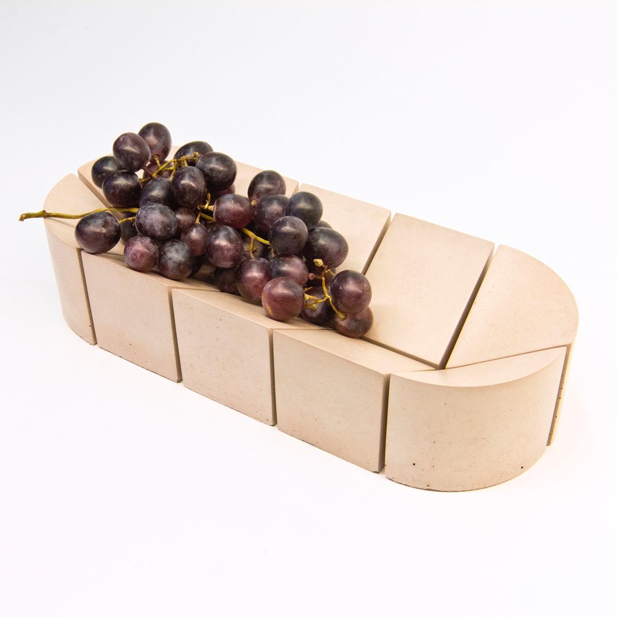 Всемирно известный дизайнер Филипп Малуин - подача винограда