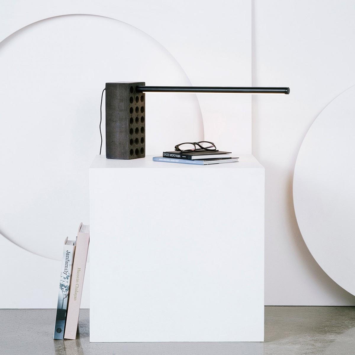 Всемирно известный дизайнер Филипп Малуин - лампа неординарного дизайна