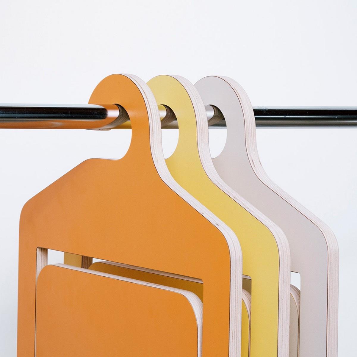 Всемирно известный дизайнер Филипп Малуин - практичность стула-вешалки