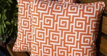 Подушки с геометрическим узором