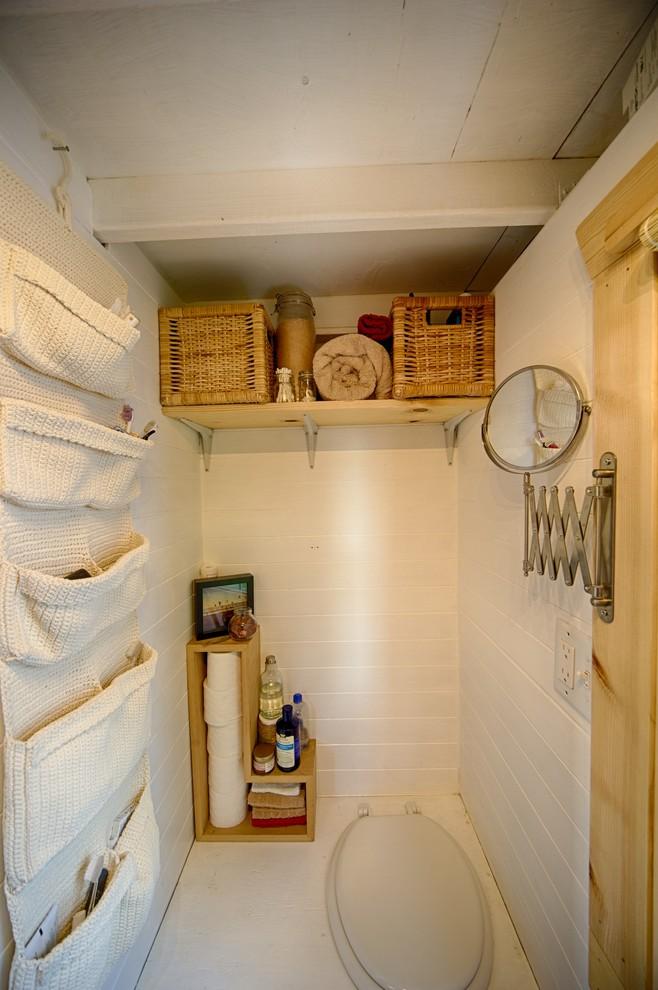 Вязаный текстиль для дома - несессер в уборной