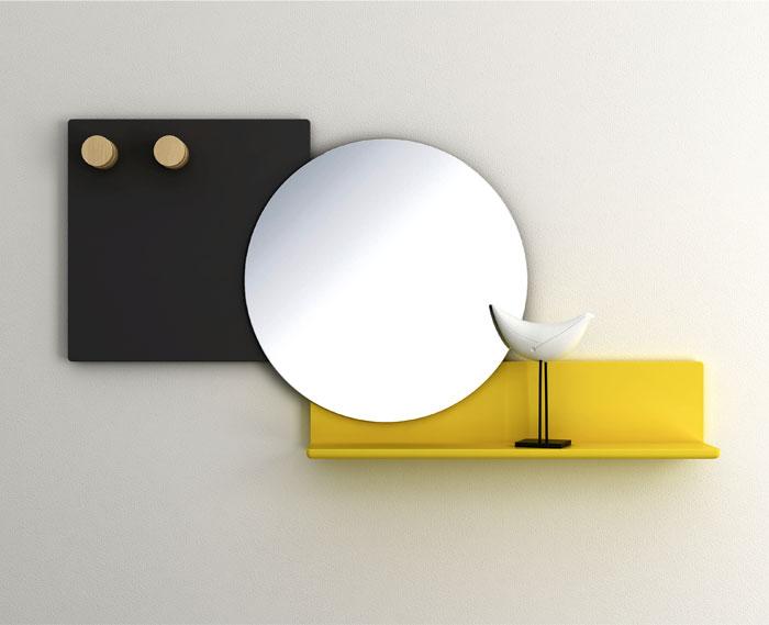 Выставка дизайнерской мебели: круглое зеркало с яркой полкой - Фото 1