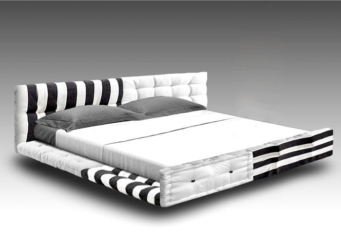 Выставка дизайнерской мебели: чёрно-белая кровать
