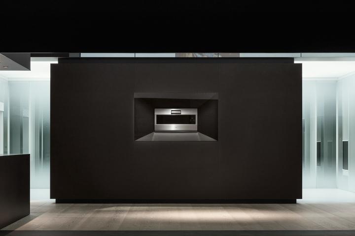 Выставка современной техники от компании Gaggenau в контрастах