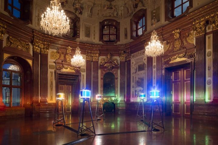 Выставка уникальных работ Ólafur Elíasson: световая инсталляция