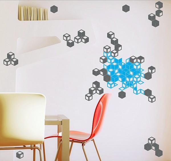 Красочные кубики на стене