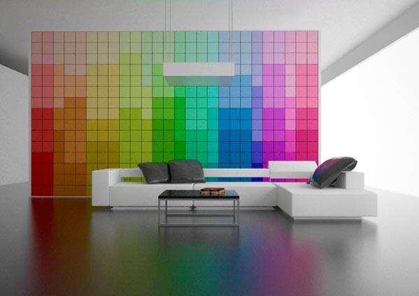 Разноцветная стена в интерьере
