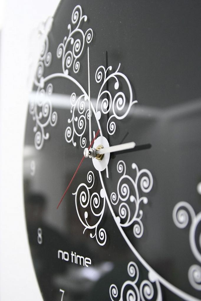 Out of time - the original collection of stunning wall clocks from art-workshop arhiDOT
