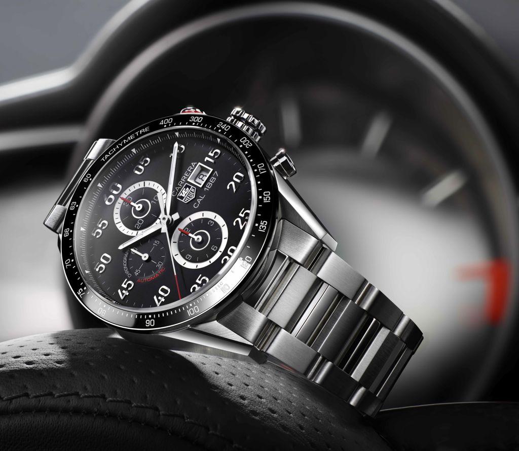 Красивая модель часов Tag Heuer из коллекции Grand Carrera с металлическим ремешком