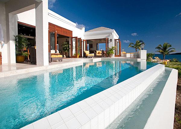 Забавный способ пробразовать дом в пляжный пансионат на Карибах