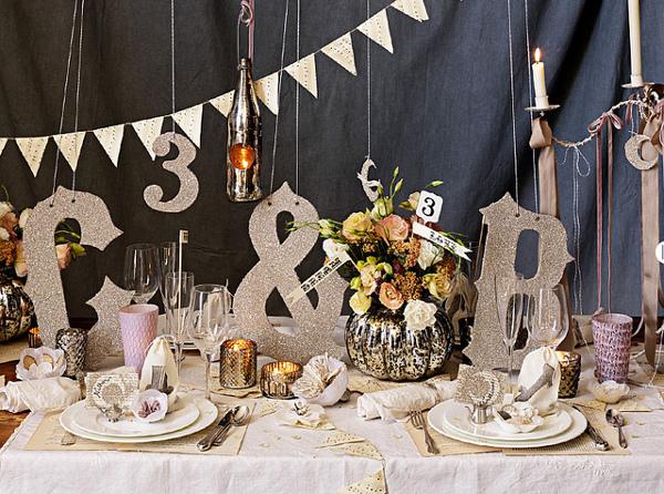 Прекрасная сервировка свадебного стола
