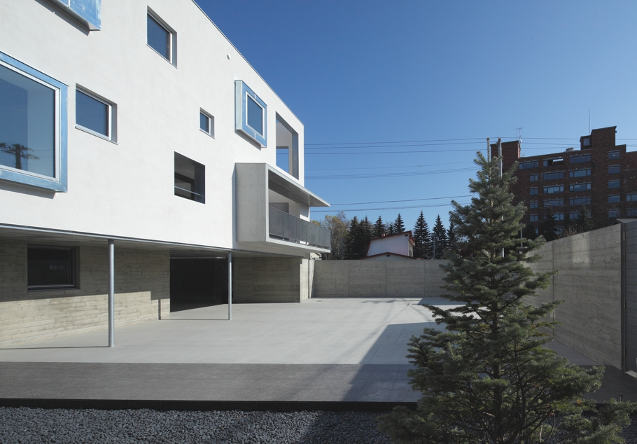 Дом White Colony в минималистском стиле