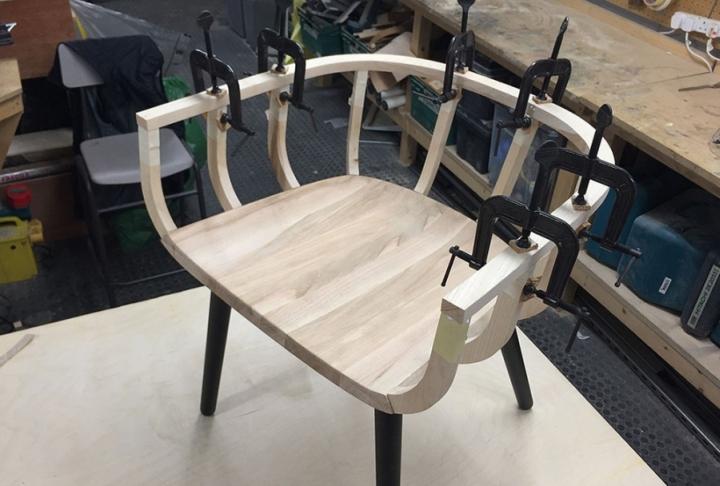 Кресло в процессе изготовления
