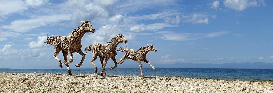 Конные скульптуры британского скульптора Джеймса Доран-Уэбба
