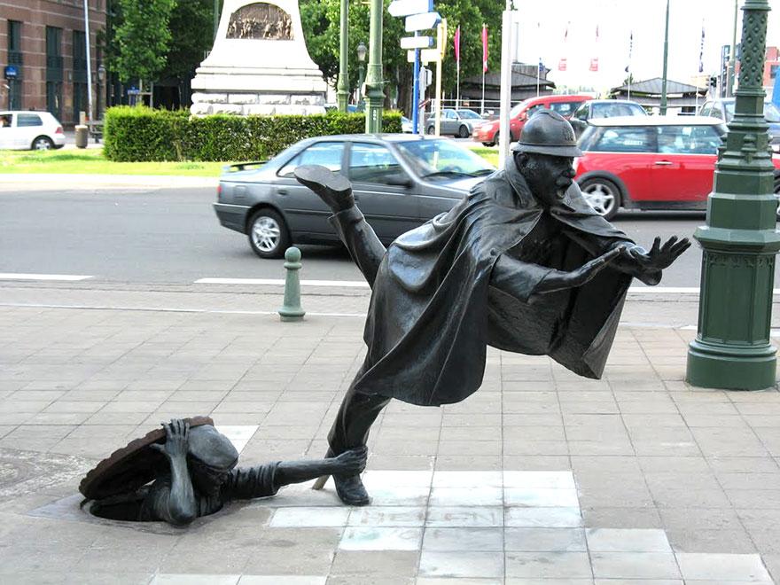 Скульптурная композиция в Бельгии