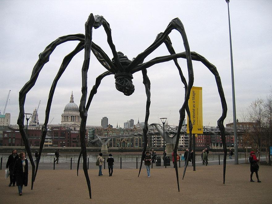 Скульптурная композиция в Лондоне