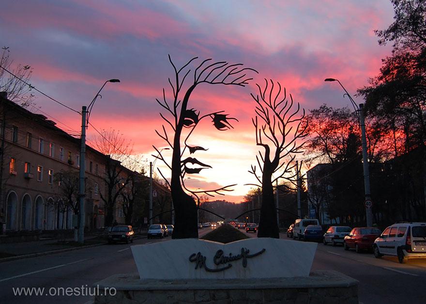 Скульптурная композиция в Румынии