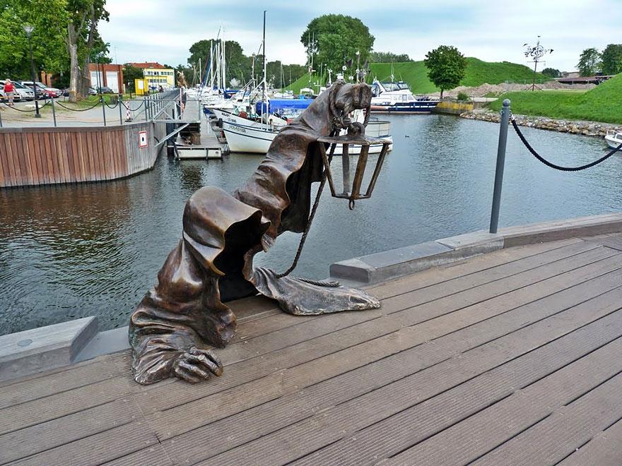 Скульптурная композиция в Литве