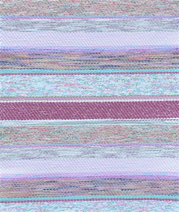 Верёвочный коврик в полоску в нежных сиреневых тонах
