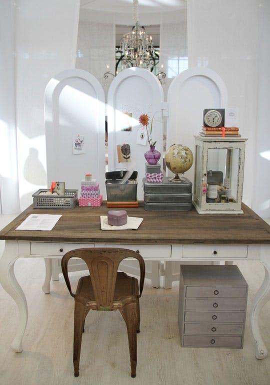 Оригинальная мебель на выставке