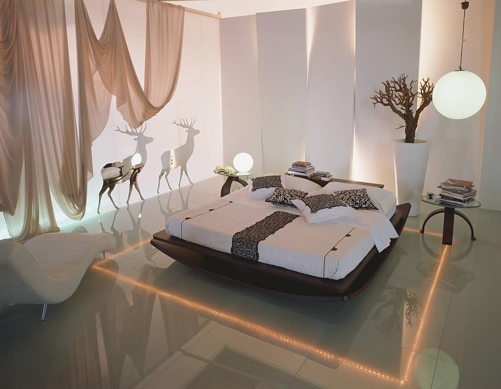 Спальня с оригинальной подсветкой на полу