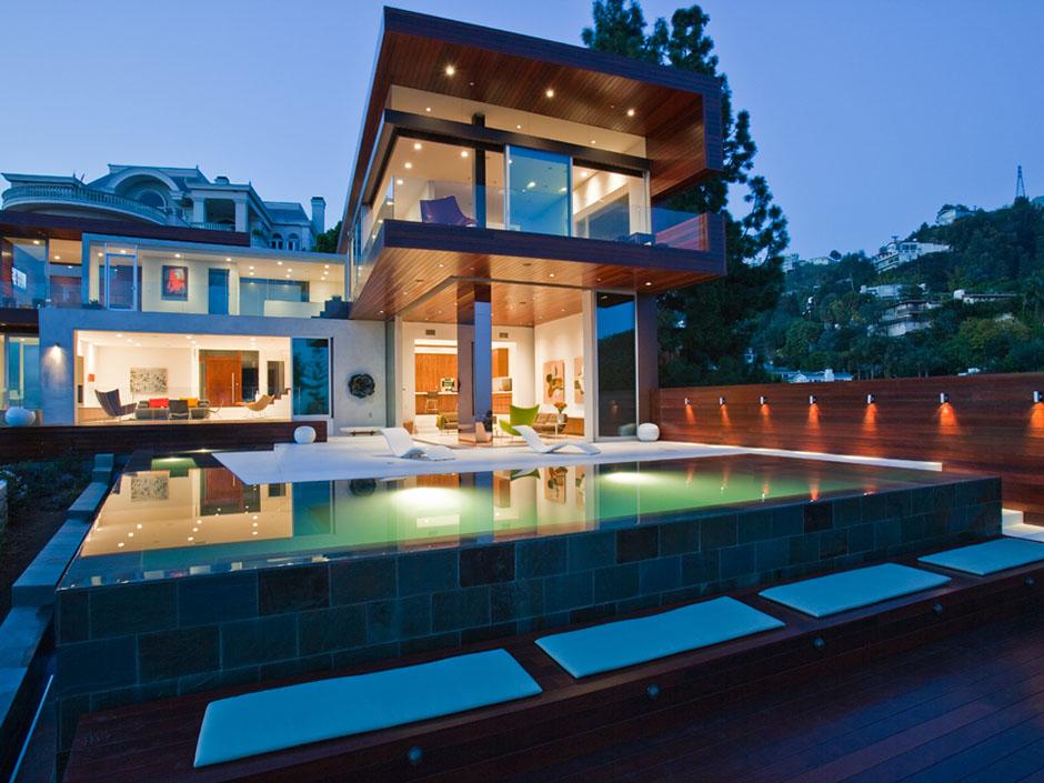 Частная резиденция с бассейном