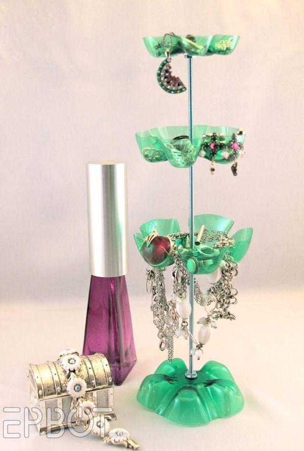 Органайзер для украшений из пластиковых бутылок