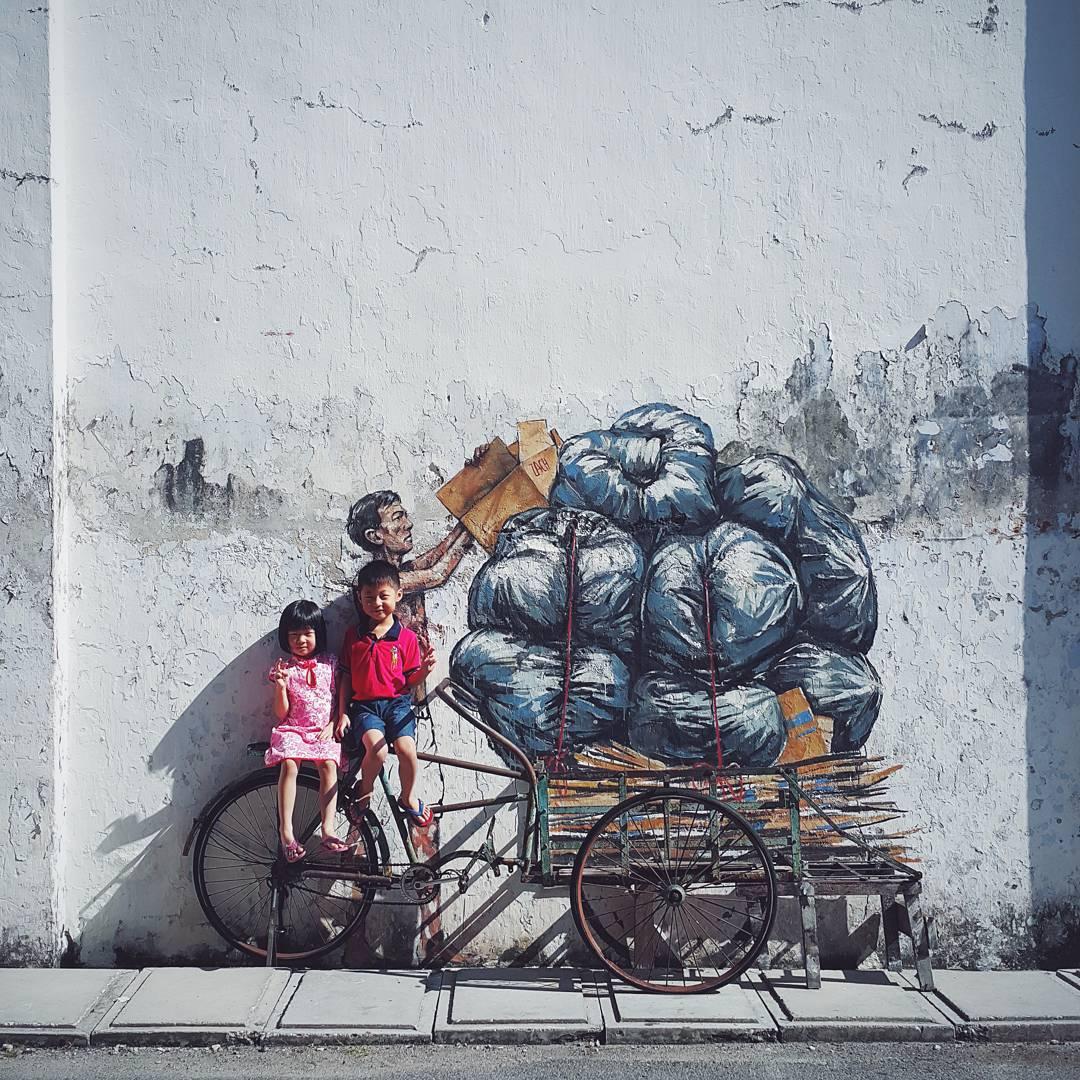 Уличные эксперименты Эрнеста Захаревича: мэшапы в динамических композициях