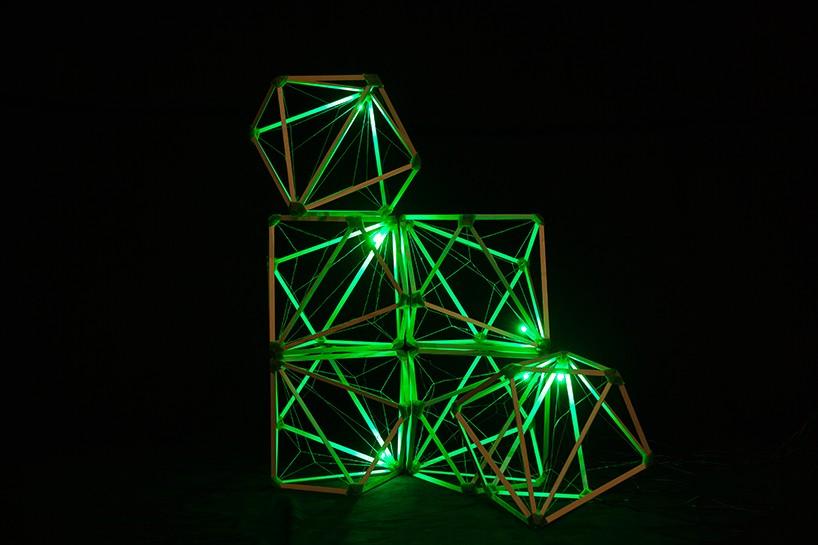 Необычное решение: зелёный маяк