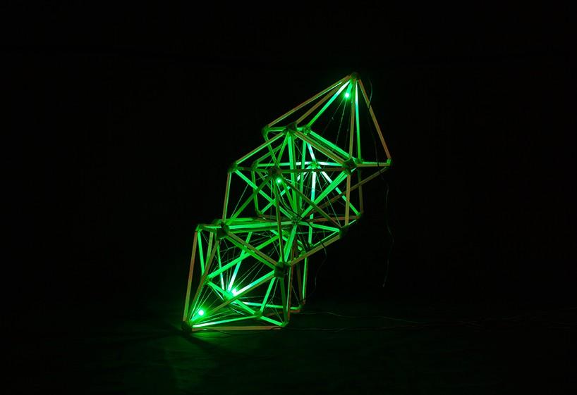 Оригинальный дизайн зелёного маяка - Фото 1