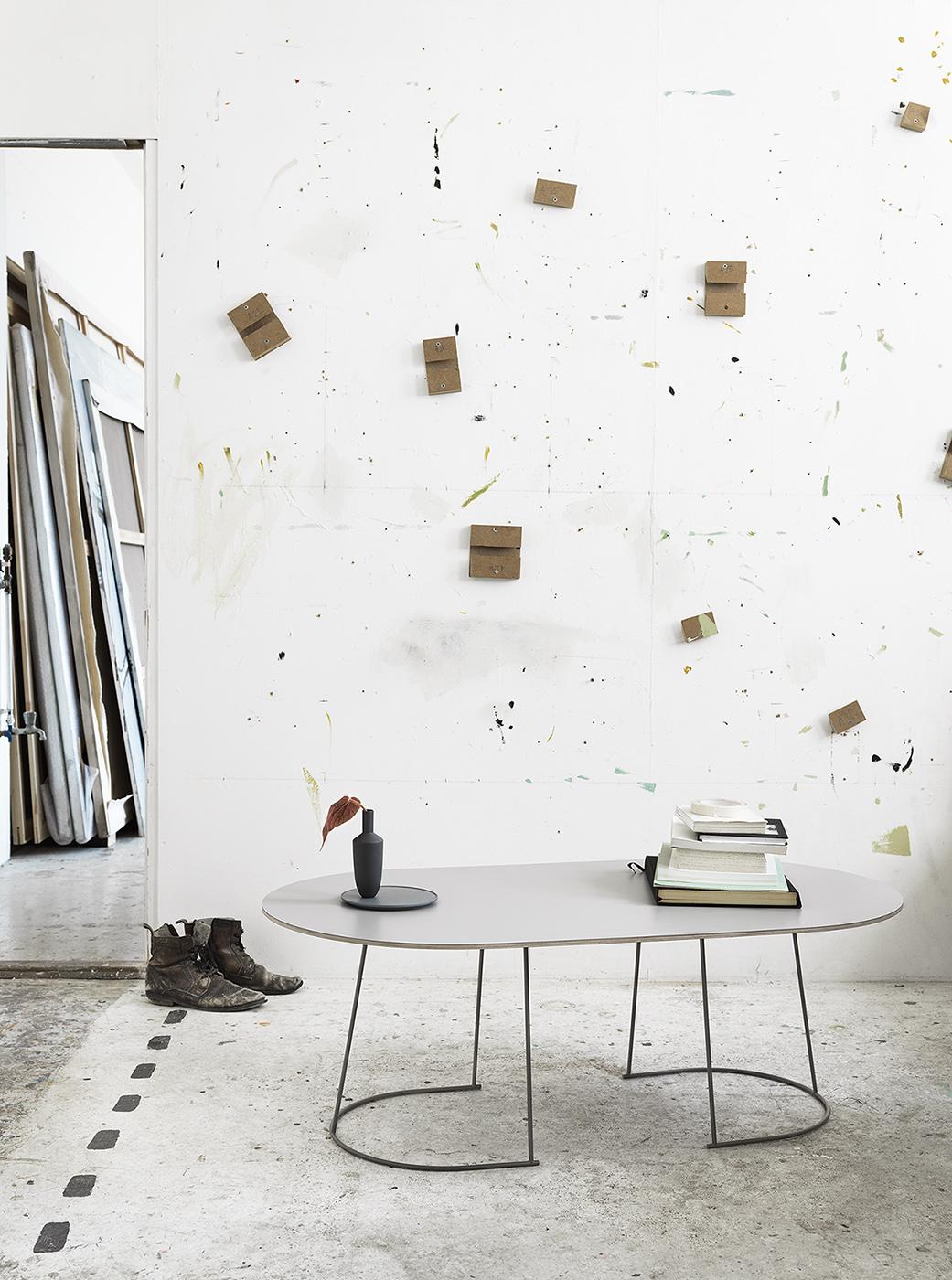 Необычный журнальный столик с современным дизайном, фото столика Airy