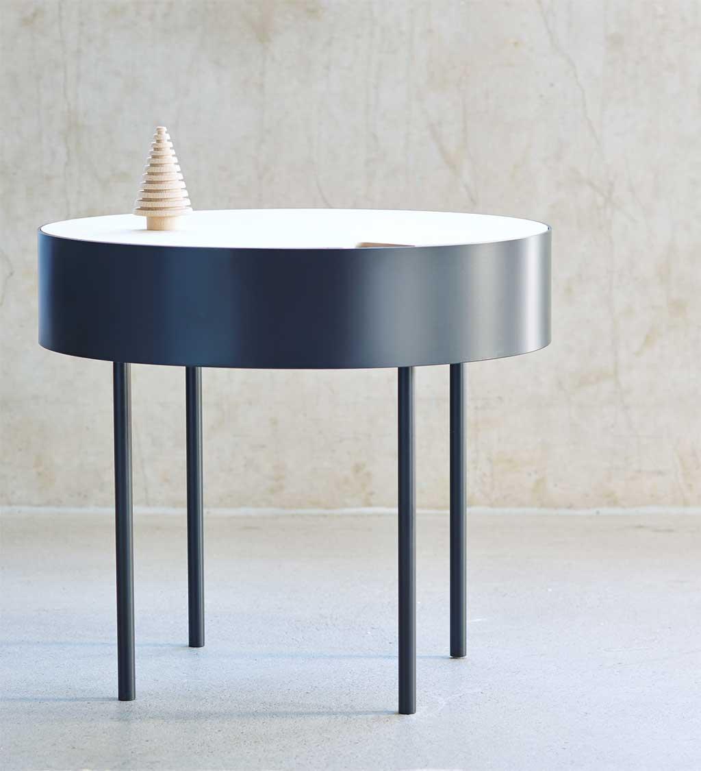 Необычный журнальный столик с современным дизайном, фото столика CIRKEL